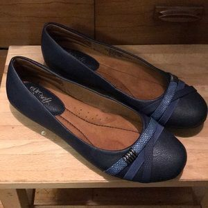 Shoes: Never-worn Eurosoft by Sofft navy flats 9.5
